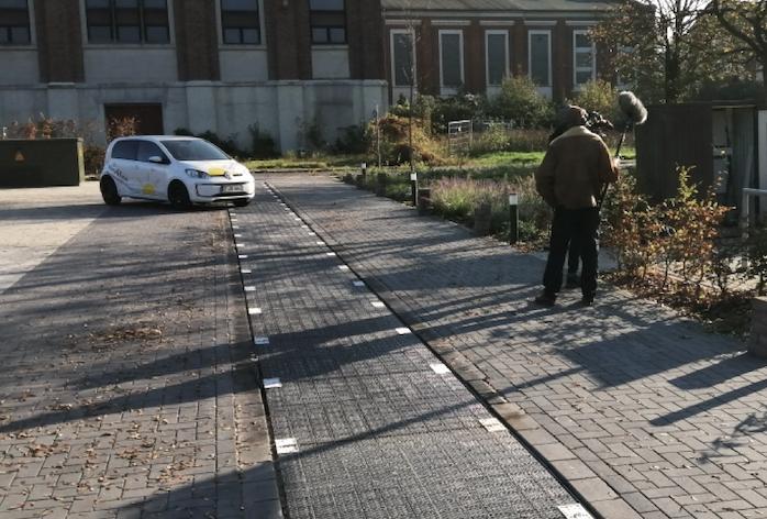 Dieser Straßenbelag erzeugt Solarstrom, der auch für die E-Mobilität genutzt werden kann.