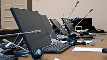 Etwa 130 Gerichtssäle in Hamburg sollen mit Videokonferenztechnik ausgestattet werden.