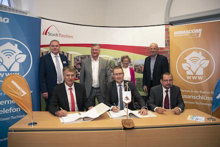 Der Glasfaserausbau im Landkreis Ludwigslust-Parchim geht weiter. Nun sollen auch die Gewerbe- und Mischgebiete der Stadt Parchim angeschlossen werden.
