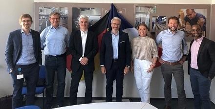 Die  Vertreter der beiden Unternehmen WärmePlus und Tryba Energy.