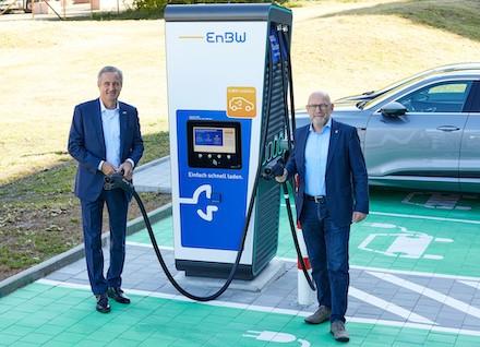Unter Leitung der EnBW sollen 15 Städte in Baden-Württemberg mit öffentlichen Schnelllade-Parks für Elektrofahrzeuge ausgestattet werden.*
