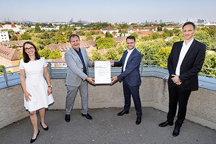 Das Hamburger Wärmewende-Projekt IW³ hat einen Förderbescheid in Höhe von 22,5 Millionen Euro erhalten.