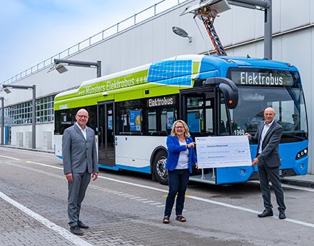 Die Stadtwerke Münster haben einen Förderbescheid über 1,7 Millionen Euro für den Ausbau ihrer Elektrobus-Flotte erhalten.