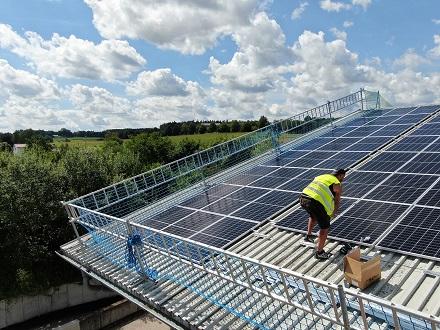 Diese PV-Anlage von enercity in Pfaffenhofen kann 390 kWp leisten.