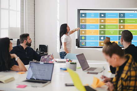 Ab dem neuen Schuljahr wird an allen weiterführenden Schulen in Leverkusen die bestehende Lernplattform um MNSpro Cloud ergänzt.