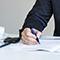 Die Stadträte Jan Erik Bohling, Thorsten Kornblum und Dennis Weilmann (v.l.) haben die Kooperationsvereinbarung unterzeichnet.