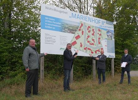 Das Neubaugebiet Marienhof II mit 22 Ein- und zwei Mehrfamilienhäusern wird mit Pellets beheizt.