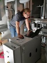 Im April 2020 wurden die letzten Installationsarbeiten der eXergiemaschine, die elektrische Verdrahtung, durchgeführt.