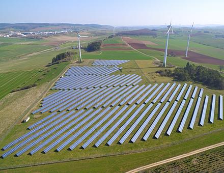 Solarpark Rommersheim versorgt rund 600 Vierpersonenhaushalte mit Strom.
