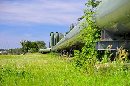 Seit 60 Jahren versorgt STEAG Fernwärme Kunden im Ruhrgebiet mit Heizenergie, hier eine Fernwärmeleitung im Gelsenkirchener Nordsternpark.