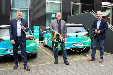 Rahmenvertrag für den Bau von Ladestationen in Bochumer Parkhäusern geschlossen.