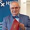 Honorarprofessor Henning Lühr (r.) empfängt die Bestellungsurkunde der HS Bremen.