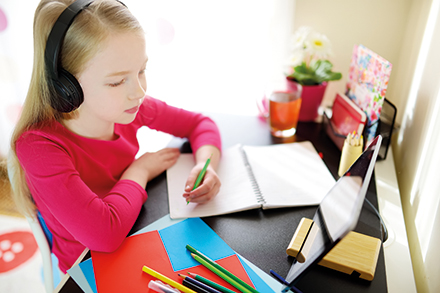 Homeschooling: An vielen Schulen fehlt hierfür die Technik.