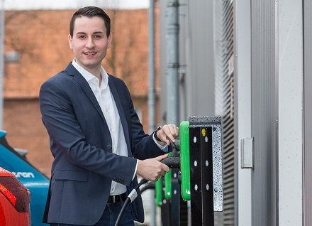 Benjamin Hintz, Produktverantwortlicher Elektromobilität der WEMAG, wird den Aufbau einer öffentlichen Lade-Infrastruktur in Schwerin mitbetreuen.