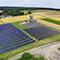 Das Bioenergiedorf Mengsberg setzt auf Nahwärmeversorgung aus Biomasse und Solarthermie.