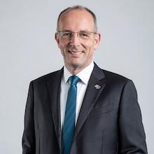 Ralf Klöpfer bleibt weitere fünf Jahre Vertriebsvorstand von MVV Energie.