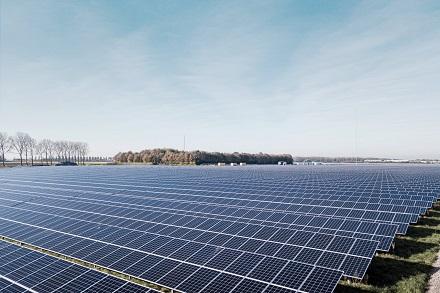 In Mecklenburg-Vorpommern baut Vattenfall seinen bisher größten Photovoltaikpark mit einer Leistung von 28 Megawatt.