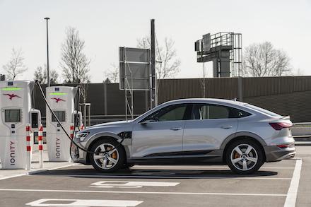 Der Audi e-tron besitzt Lade-Intelligenz.