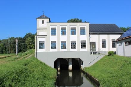 Der Bundesverband Deutscher Wasserkraftwerke wehrt sich gegen die Vorwürfe, dass die letzten frei fließenden Flussabschnitte gefährdet seien.