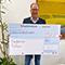 Bergheims Bürgermeister Volker Mießeler freut sich über die Auszeichnung, das Preisgeld kommt dem Bergheimer Tierheim zugute.