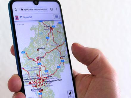 Das neue Geoportal Hessens auf einem mobilen Endgerät.