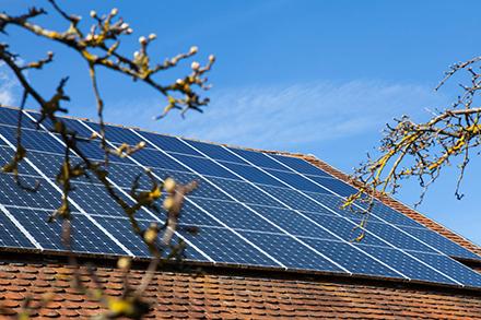 Bei der Photovoltaik sieht die Plattform EE BW Ausbaupotenzial durch die Erschließung verschiedener Flächen.