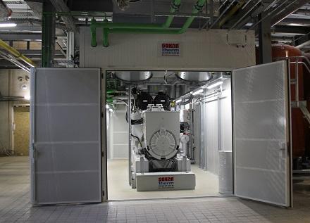 Das erste von drei geplanten Blockheizkraftwerk-Modulen ist im Kraftwerk Hermsdorf ans Netz gegangen.