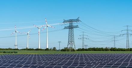 Das Gros des Zuwachses bei den Kapazitäten aus erneuerbarem Strom kamen aus Windkraft und Photovoltaik.