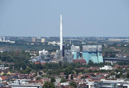 Das markante EnBW-Heizkraftwerk in Stuttgart-Münster soll fit für die Zukunft gemacht werden.