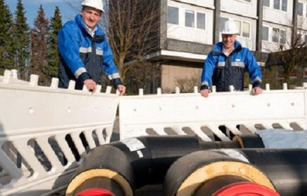 WSW-Vorstandsvorsitzender Markus Hilkenbach (links) und WSW Netz-Geschäftsführer Frank Pieper wollen das Wuppertaler Wärmenetz erneuern.