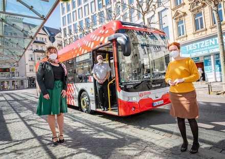 Vier Solobusse der Marke Ebusco 2.2 fahren künftig geräuschlos und emissionsfrei durch die Stadt Bonn.