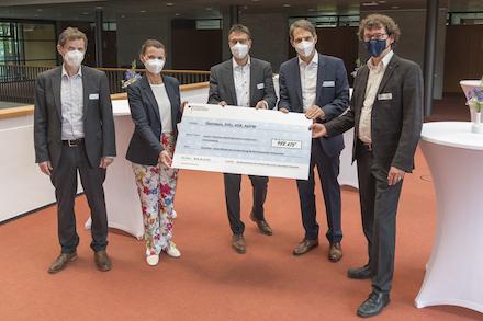 Übergabe des Fördermittelbescheids durch die Parlamentarische Staatssekretärin Rita Schwarzelühr-Sutter an die Projektpartner von SolnetPlus.