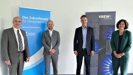 Die Vereinbarung für einen schnellen und sicheren Glasfaserausbau in Bayern ist auf den Weg gebracht.