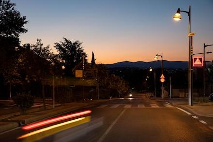 Die spanische Großstadt Pozuelo de Alarcón profitiert von einer energieeffizienten Lichtlösung: Tridonic hat die Kommune mit 2.700 smarten, dimmbaren LED-Treibern für den gesamten Außenbereich ausgestattet.