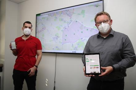 Stefan Menze (l.) und Thomas Westhoff vom Geodaten-Management der Kreisverwaltung Borken haben den GeoDatenAtlas weiter entwickelt.