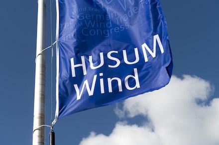 Die Segel sind gehisst für die diesjährige HUSUM Wind, die vom 14. bis 17. September in Husum stattfindet.