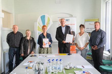 Gemeinsam bei der Aktion Glasfaser für alle in Bismark.