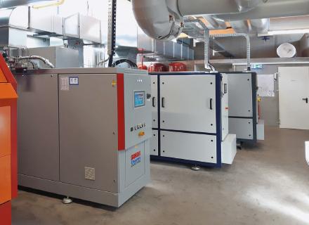 Das BHKW-Kompaktmodul von Sokratherm in der Energiezentrale des Schulzentrums Tiengen.