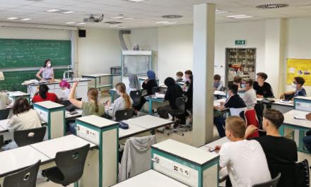 In zwei Schulen messen Sensoren den CO2-Gehalt in der Raumluft. Datenerfassung und -übermittlung erfolgen mithilfe der Mioty-Funktechnologie.
