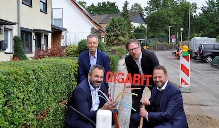 Leverkusen: Glasfaserausbau im Bereich der weißen Flecken geht voran.