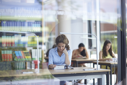 Digitaler Antragsassistent BAföG Digital steht Studierenden ab sofort bundesweit zur Verfügung.