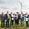 Schlüsselübergabe zur Einweihung des Windparks Hoort.