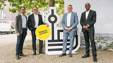 V. l.: Jan Timmermann, Vattenfall Wärme Berlin, Marco Sick, Vattenfall Eurofiber, Alf Aleithe, berlinovo und Eric Kuisch, Eurofiber.
