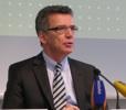 IT-Gipfel: Bundesinnenminister Thomas de Maizière kündigte eine breite Diskussion über die Netzpolitik an.